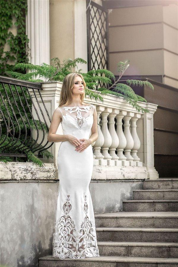 da2a6e3b7d Dobrze rozwijający się salon sukni ślubnych i wieczorowych Gotowy ...